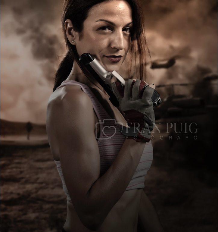 Sesión de fotos de fantasia, con temática Tomb Raider. En este caso, Cris se convierte en Lara Croft. Fran Puig Fotógrafo